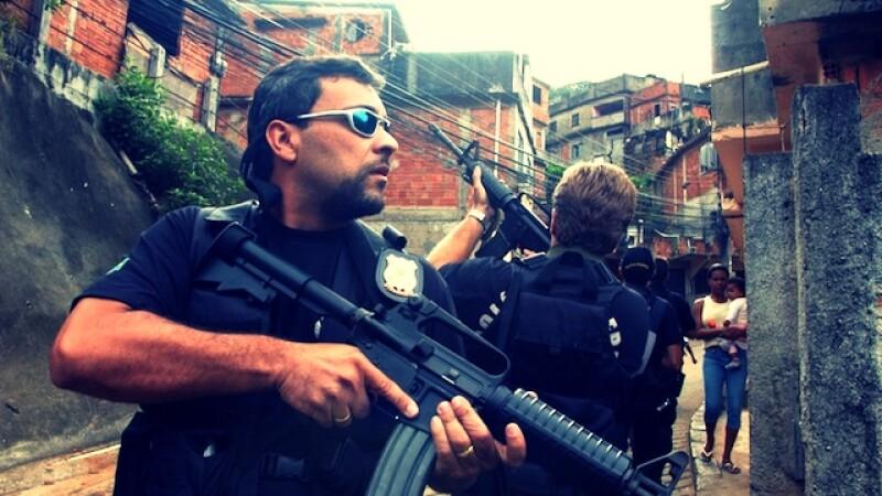 Perchezitie cu final neasteptat in Brazilia. Ce au gasit politistii intr-un depozit: armata a preluat acum ancheta