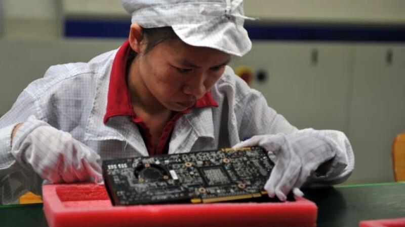 Secretele fabricilor Apple din China. Metoda incredibila de a pune capat sinuciderilor angajatilor