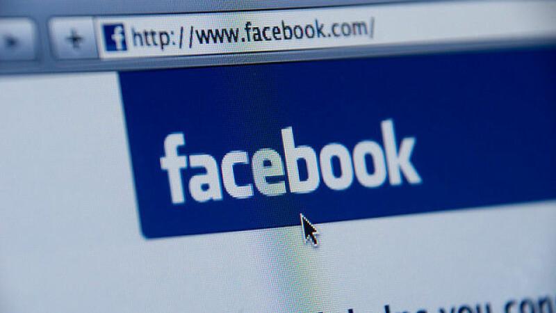 Aplicatiile gratuite de pe Facebook si telefoane,