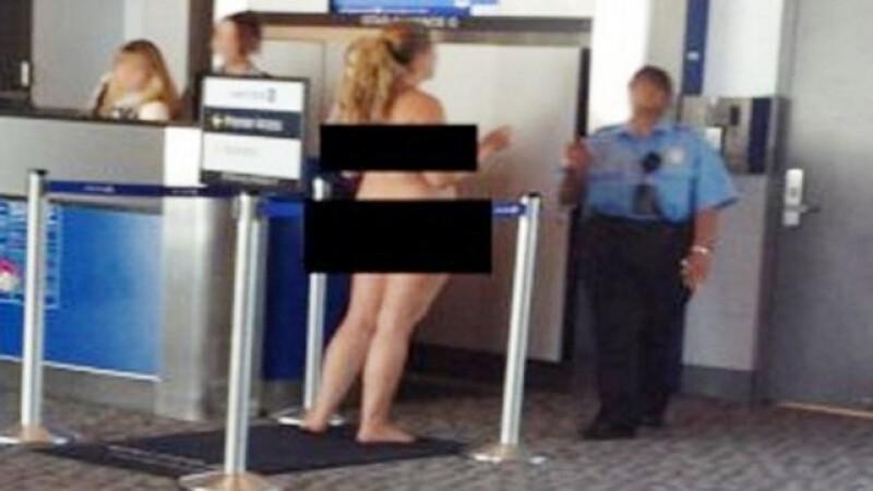 Motivul pentru care aceasta femeie s-a dezbracat pana la piele pe aeroport