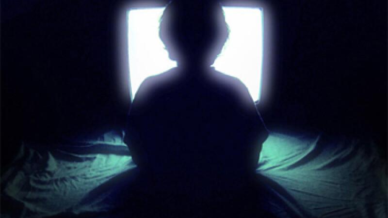 Programele interzise minorilor sub 15 ani, cu exceptia filmelor, difuzate la TV numai de la 24.00