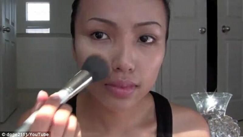 Femeia cameleon, care se poate transforma in oricine doreste. VIDEO si Galerie FOTO