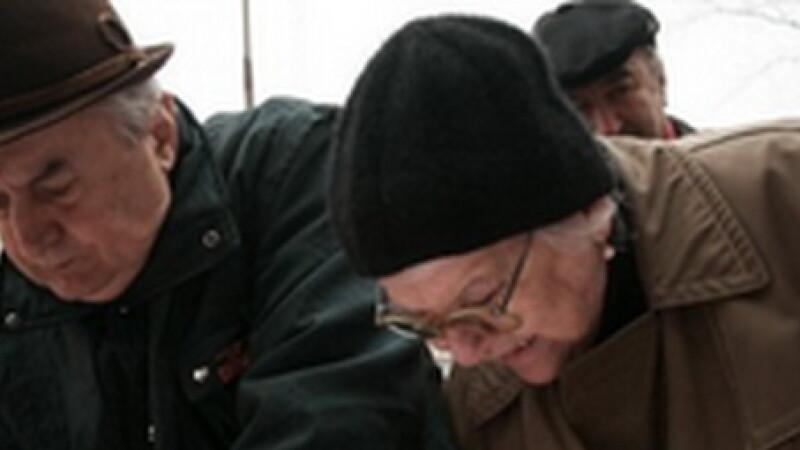 <b>2 milioane de pensionari nu vor mai plati CAS din mai. Efectul: statul pierde anual un MILIARD euro</b>