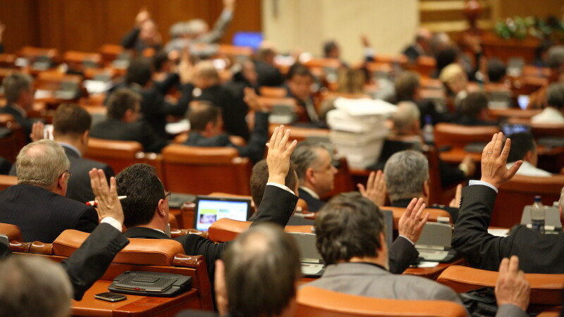 Daniel Savu (PSD) sustine ca cinci parlamentari din Prahova ai puterii vor vota motiunea de cenzura