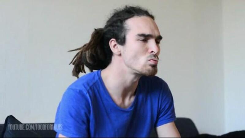 Milioane de oameni, oripilati de ce au vazut pe YouTube. Ce obicei groaznic are acest barbat. VIDEO