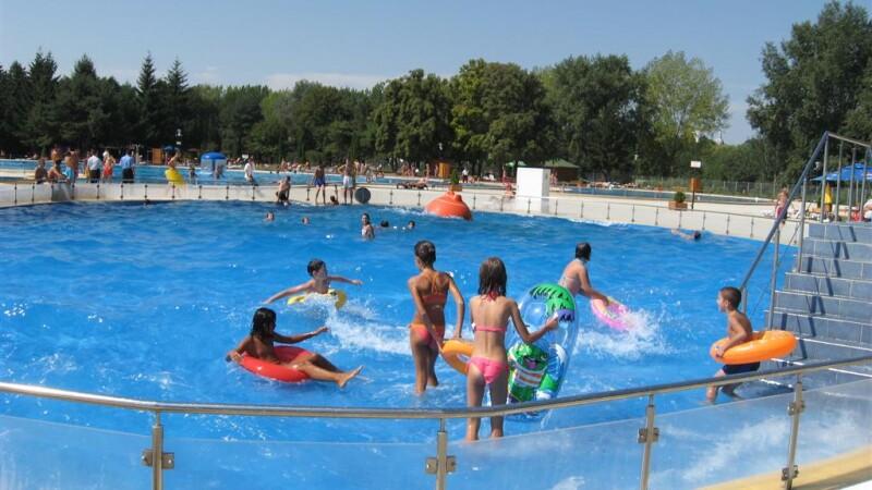 S-a deschis strandul Neptun de la Arad. Timp de trei zile, intrarea este gratuita