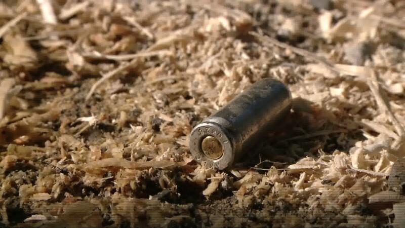 Scandal cu focuri de arma la Iecea Mare. Doua persoane au ajuns grav ranite la spital