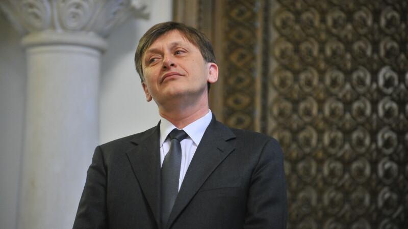 Crin Antonescu: E devreme pentru a vorbi despre ce va face Guvernul, mai ales ca e unul