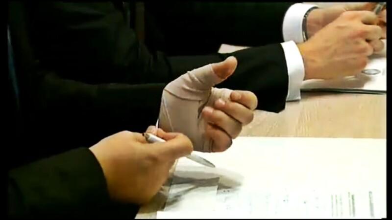 Premierul desemnat are o mana bandajata. Afla ce a patit Victor Ponta