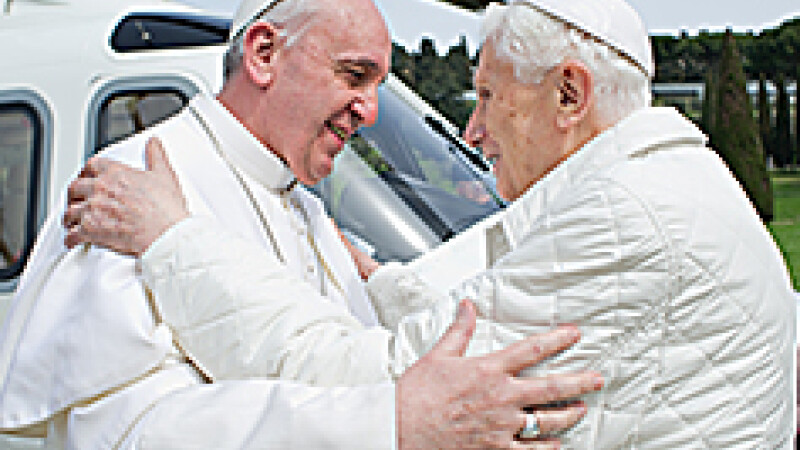 Papa Benedict si Papa Francisc