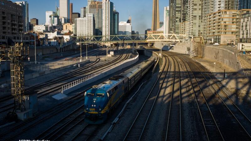 Tren in Toronto