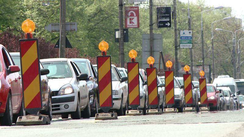 """Haosul din trafic s-ar putea prelungi. Robu: """"Nu stim daca deschidem circulatia in septembrie"""""""