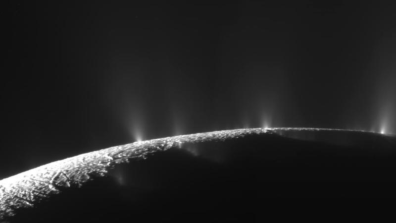 Enceladus, observat de sonda Cassini