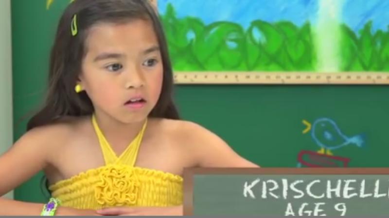 Reactiile hilare ale copiilor in momentul in care vad pentru prima data un walkman. VIDEO