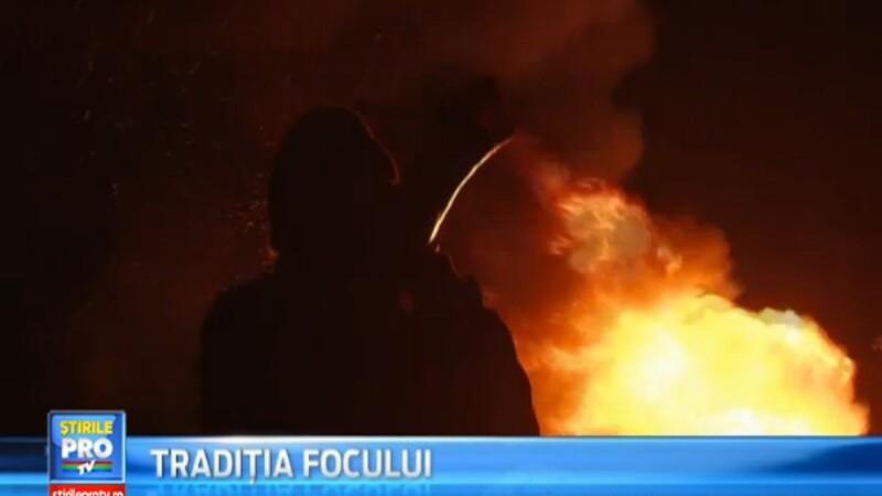 Traditia focului. Comunele din Bistrita-Nasaud au ars azi-noapte ca o torta