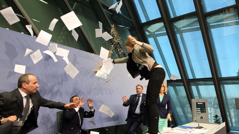 Draghi atacat, AFP, Guliver, Getty