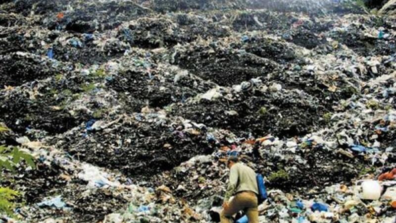 17 corpuri incinerate gasite intr-o groapa de gunoi, in Mexic. Autoritatile cred ca ar apartine studentilor disparuti in 2014