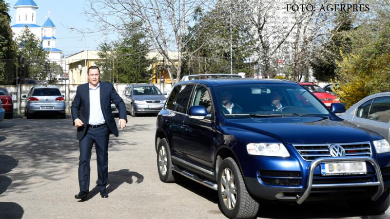 Fostul premier Victor Ponta soseste la sediul DNA Ploiesti, unde a fost audiat in calitate de martor.