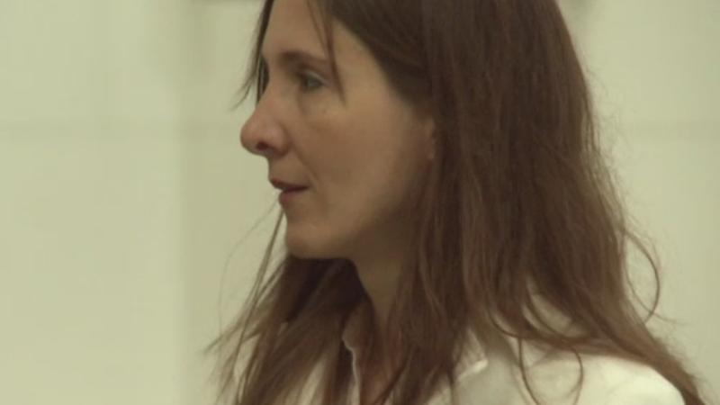 Decizia privind extradarea Anei Maria Nedelcu, intarziata din cauza unor greseli. Ce a povestit la Curtea de Apel