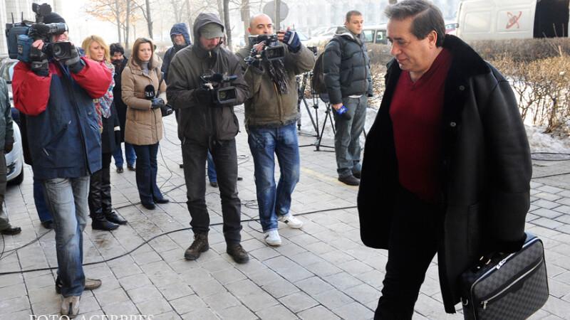 Omul de afaceri Ioan Niculae, proprietarul Interagro, soseste la sediul Ministerului Finantelor pentru a participa, alaturi de alti reprezenatanti ai patronatelor, la intalnirea cu premierul Emil Boc