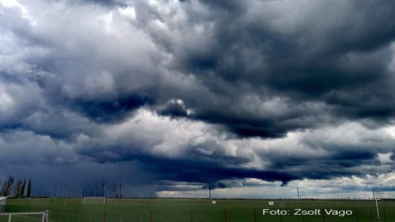 vremea, nori, furtuna, ploaie, ploi - Zsolt Vago