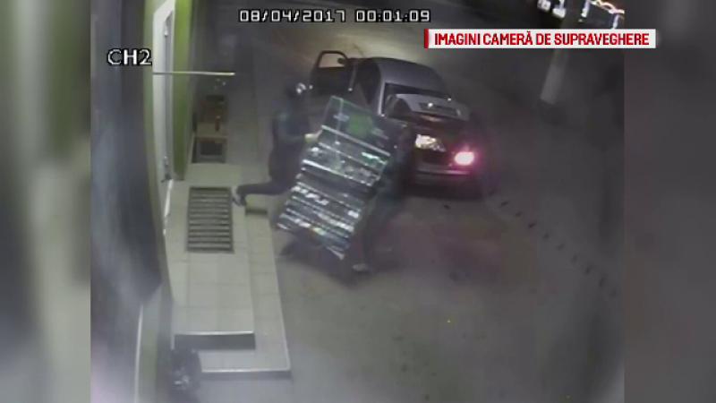 O banda de hoti a furat tigari in valoare de 2.500 de lei de la un magazin din Rucar. Modul in care au actionat acestia