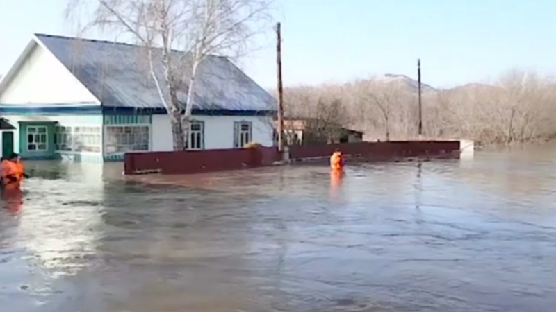 Inundații puternice în Rusia. Peste 1.500 de oameni au fost evacuați