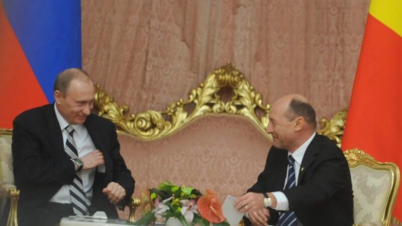 ummit-ul NATO de la Bucuresti; intrevederea presedintelui Romaniei, Traian Basescu cu presedintele Federatiei Ruse, Vladimir Putin.