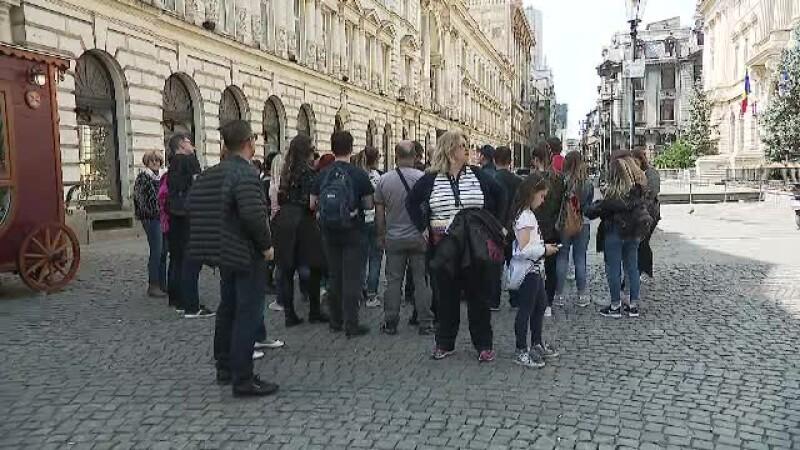 România îi primeşte de Paşte pe turiştii străini cu muzee şi palate închise