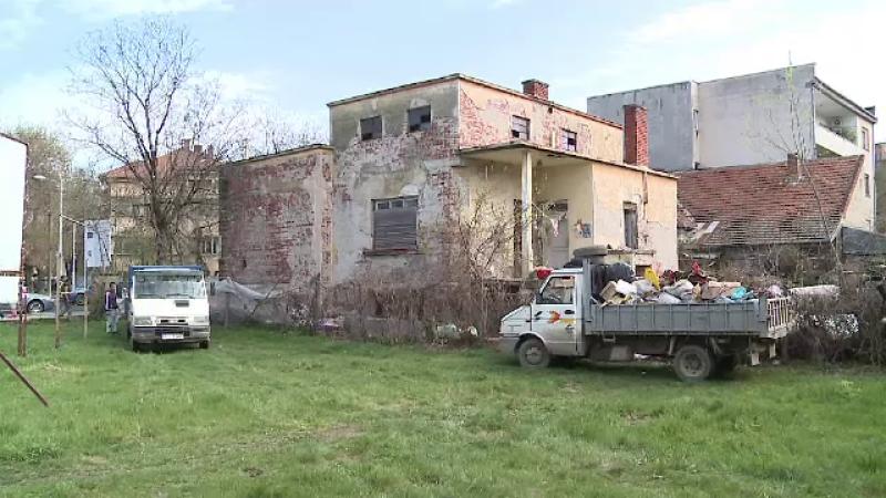 Focar de infecție, în casa unei fundații umanitare din Arad, unde locuiește o familie cu 7 copii