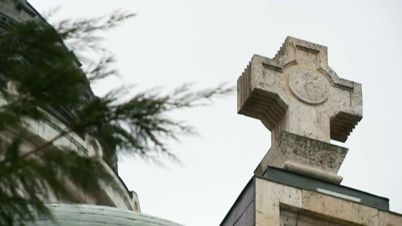 cruce biserică