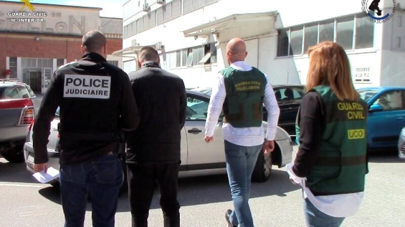 traficanti arestati de politie