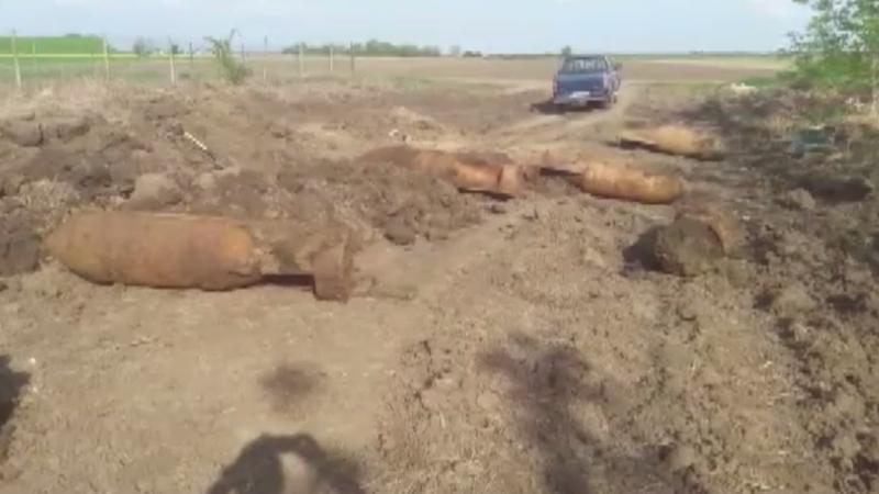 Cele șase bombe găsite în Focșani, detonate controlat pe un câmp