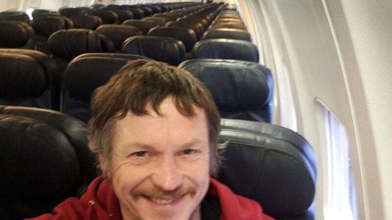 pasager singur in avion