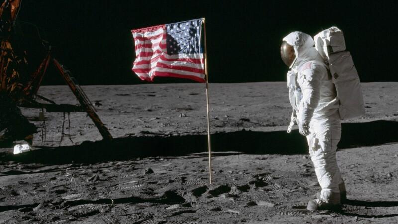 Imagini din cursul misiunilor americane Apollo pe Luna - 14