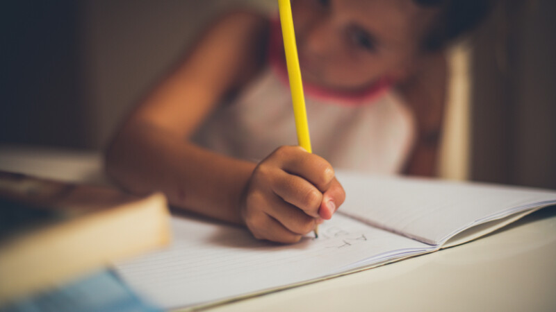Metoda găsită de o fetiță, pentru a nu mai merge la școală