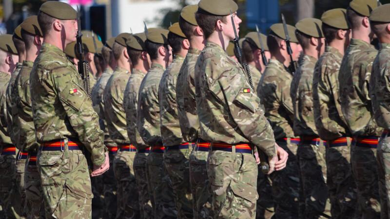 Șapte soldați au fost arestați după ce au agresat sexual o adolescentă