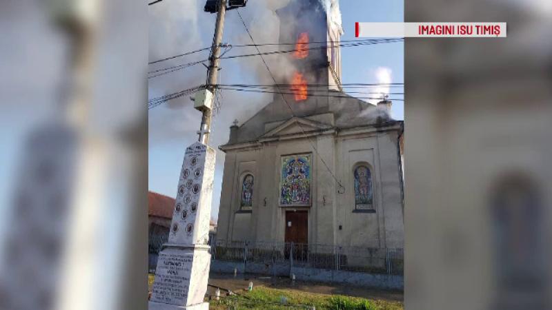Lovitură grea în Postul Paştelui. O biserică veche de peste 130 de ani a luat foc