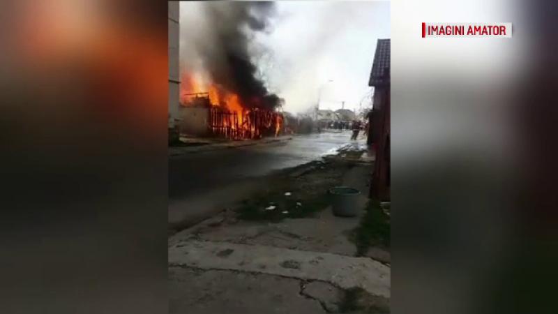 O femeie din Mureș a murit, după ce flăcările i-au mistuit casa