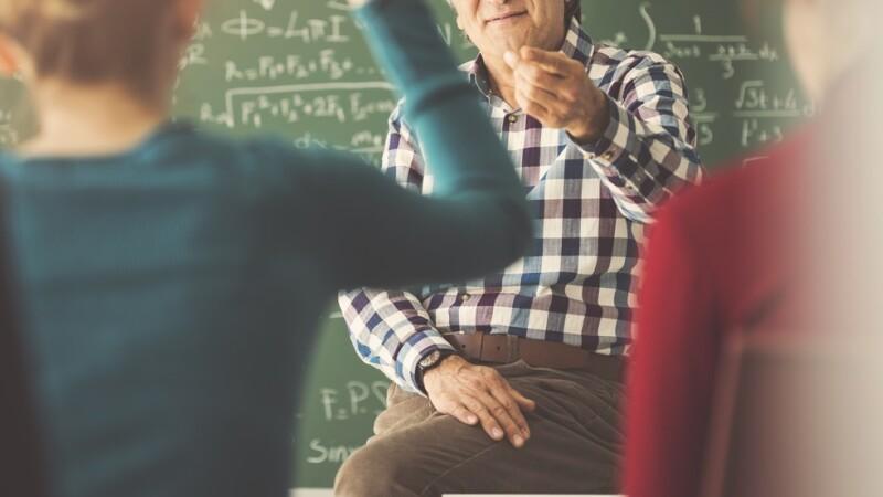 Secretul ascuns al unui profesor care preda la o școală gimnazială