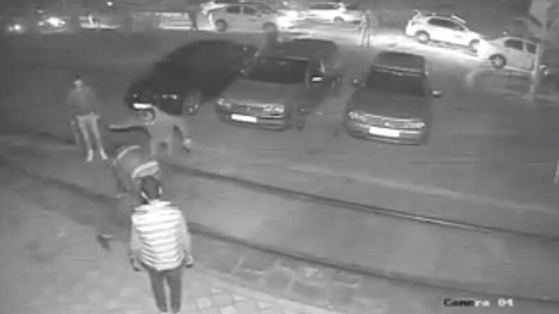 Tânăr bătut de taximetriști în Galați după ce și-a sărbătorit ziua de naștere. VIDEO
