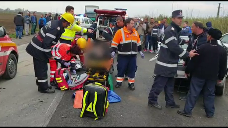 Accident în Dâmbovița. A băgat în spital 7 oameni, după ce a venit de la o înmormântare