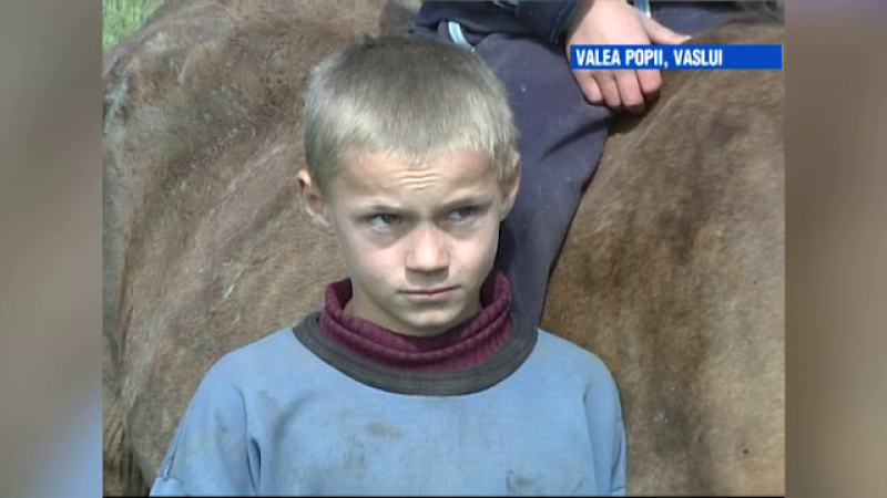 VIDEO. Vaslui, cel mai sarac teritoriu al UE. Soarta lui Petronel, filmat acum 12 ani de ProTV