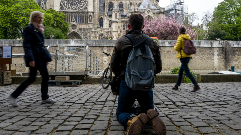 Incendiul de la Notre Dame. Emmanuel Macron promite reconstruirea catedralei în 5 ani