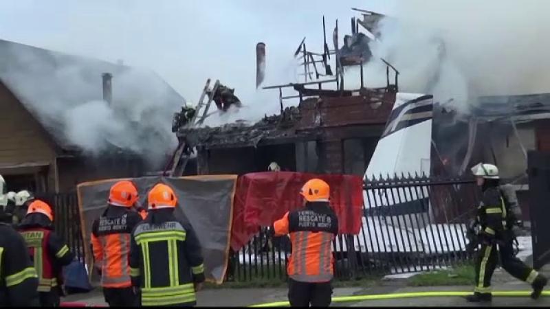 Un avion s-a prăbușit peste o casă, în Chile. Pasagerii și pilotul a murit