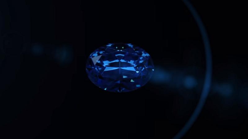 Diamant albastru uriaş, găsit în Africa.
