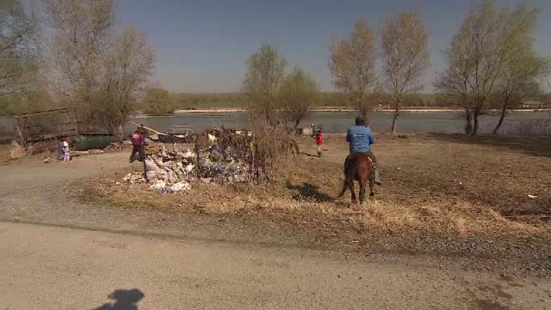Gunoi in Delta Dunarii