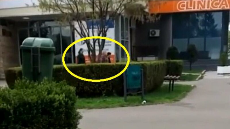 O femeie s-a apropiat de o bunică și nepoata ei în Ploiești. Șocant ce a urmat