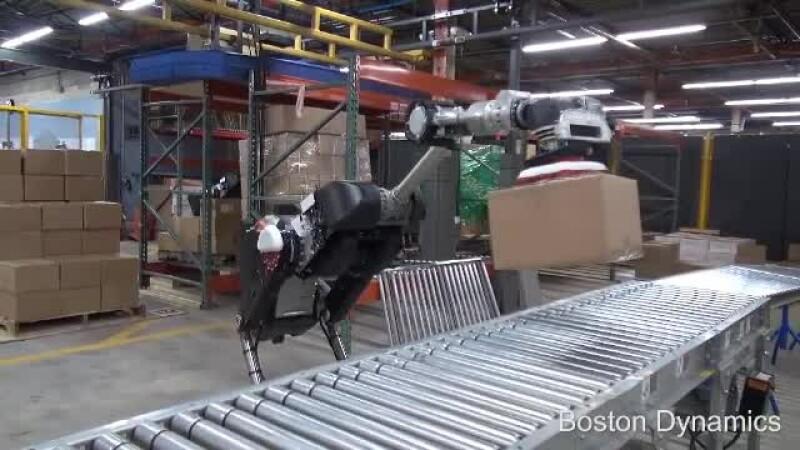iLikeIT. Cum arată cei mai noi și puternici roboți. Acum pot căra până la 15 kilograme
