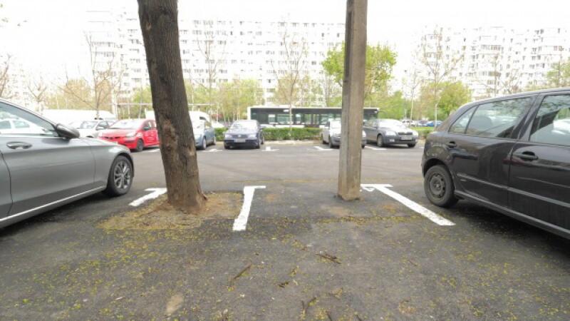 Ce a pățit un șofer când a vrut să parcheze pe acest loc plătit la Primăria Sector 3